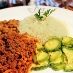 Brasileirinho, arroz integral e mandioca soute