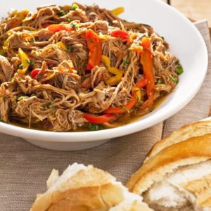 Carne louca, arroz integral e gratinado de couve-flor