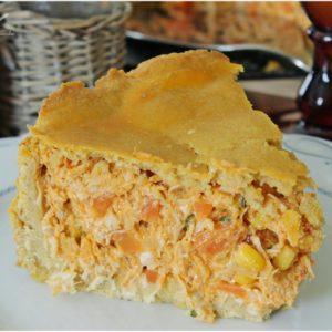 Torta de grão de bico recheada de frango